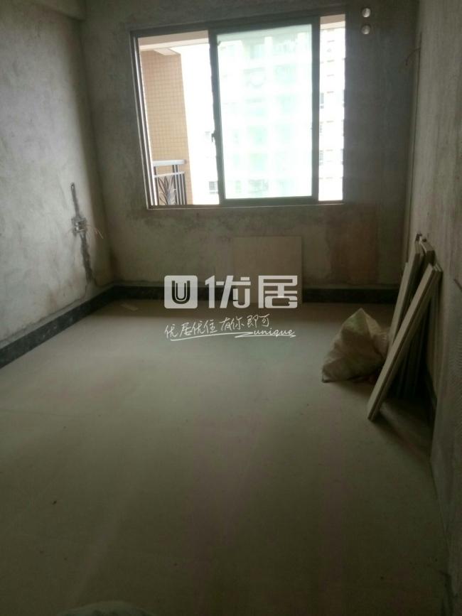 中山苑c区4室2厅2卫43万元,通风透气