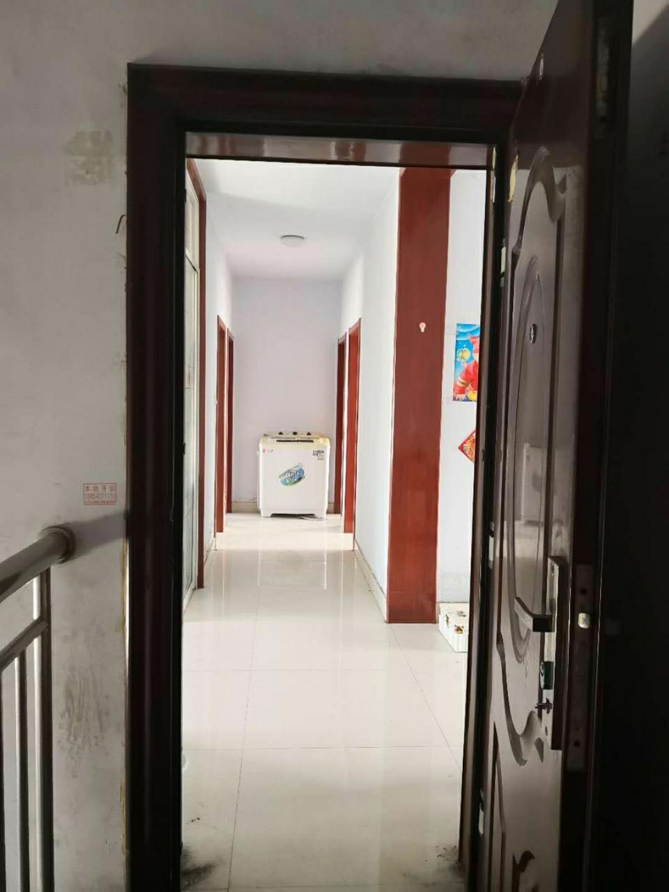 帝景苑3室1厅1卫15万元
