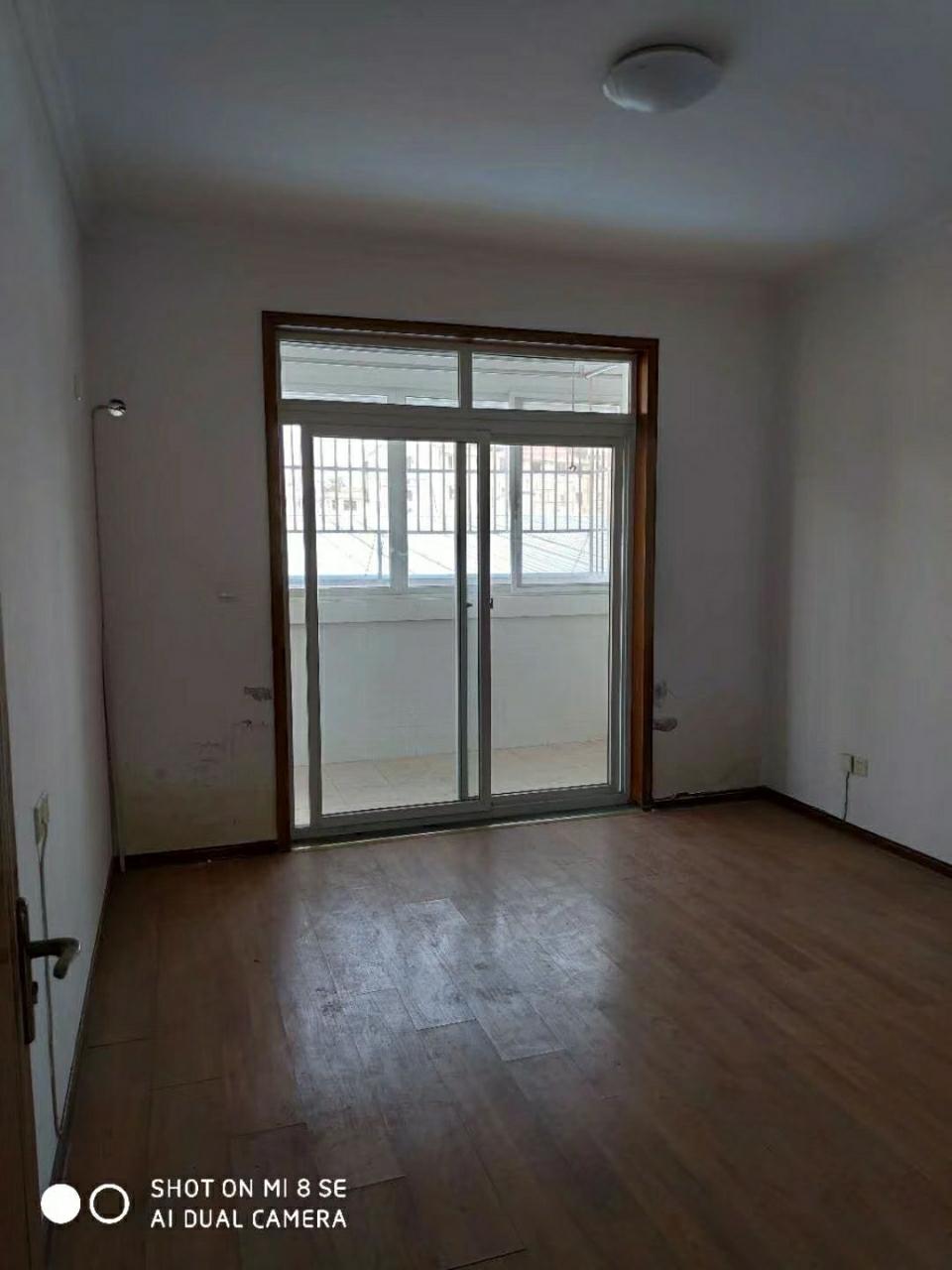 金色家园3室2厅1卫88万元50平米附房