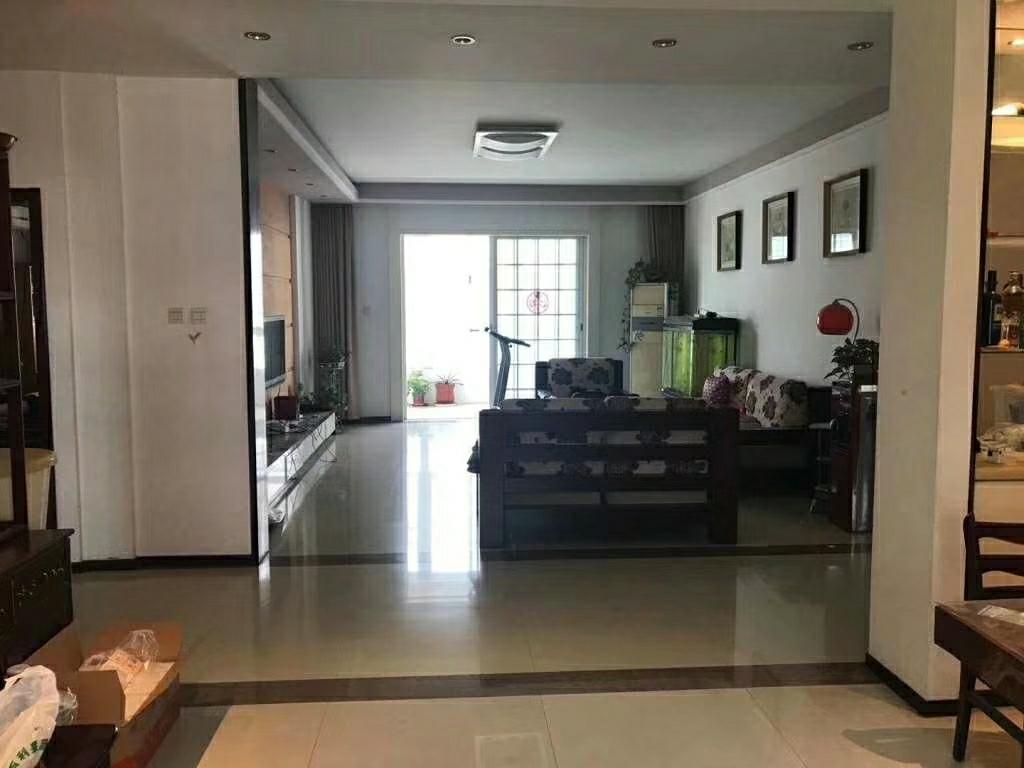馨通园小区4楼167平3室精装修带车库138万元