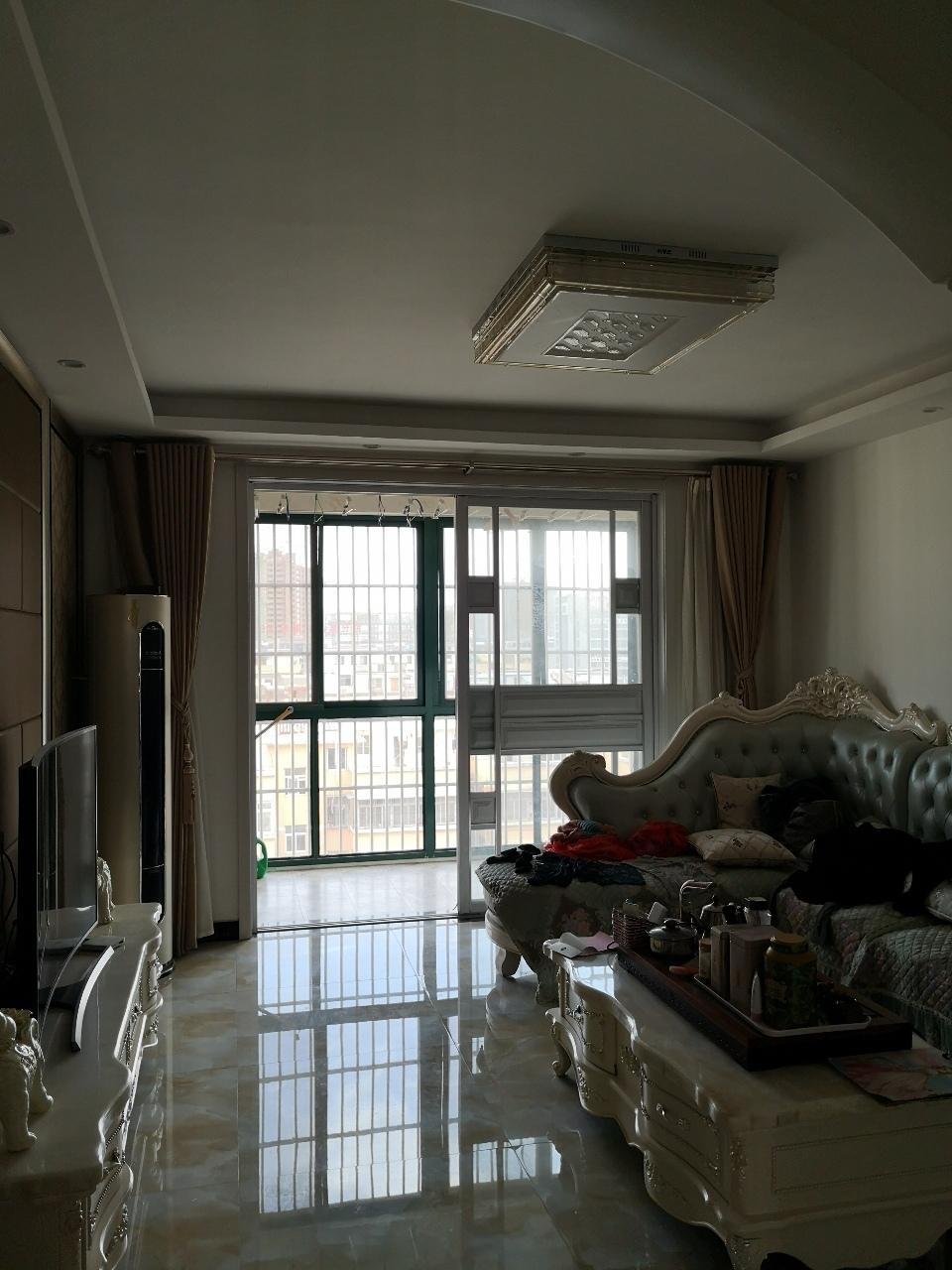 精装套房!泉城经典3室2厅2卫90万元