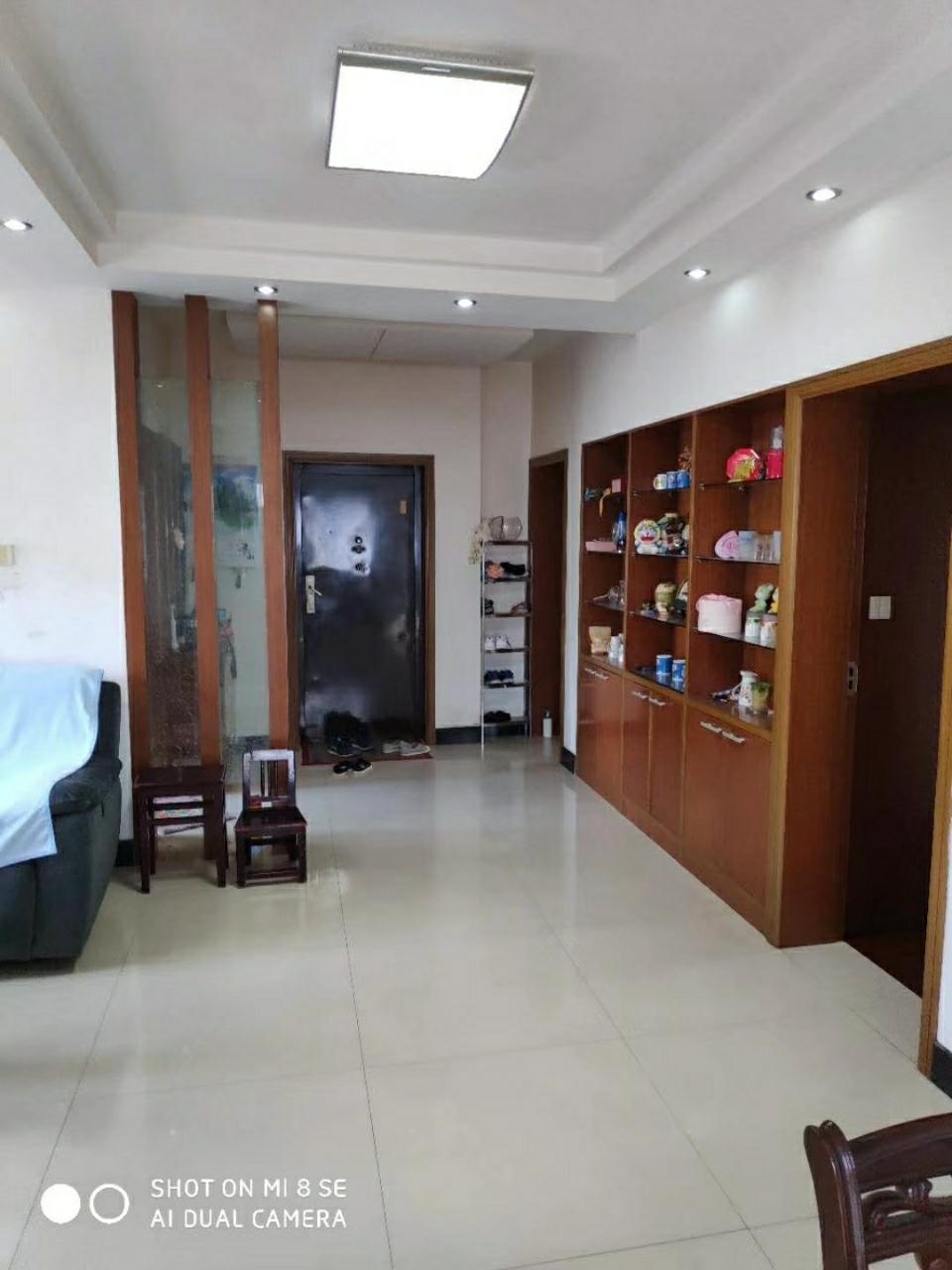 东元小区117平米3室2厅1卫90万元有附房