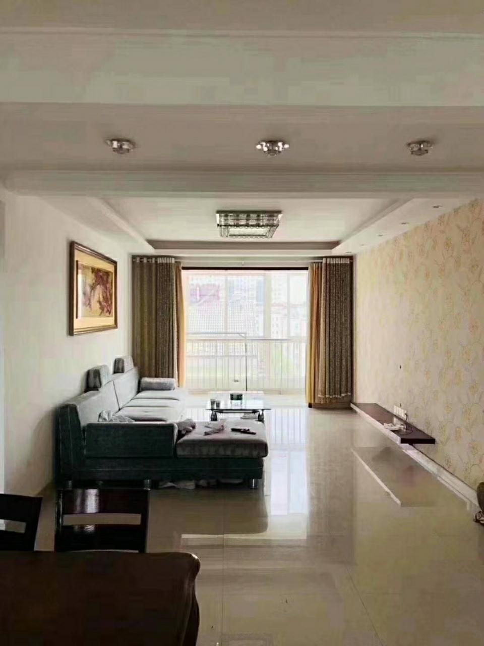 富贵牡丹园电梯6楼138平3室带车位+储102万元