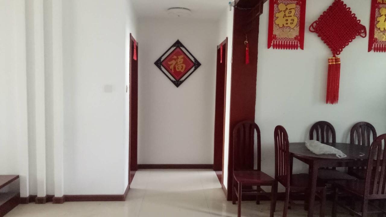九龙居3楼136平3室精装带车库可按揭105万