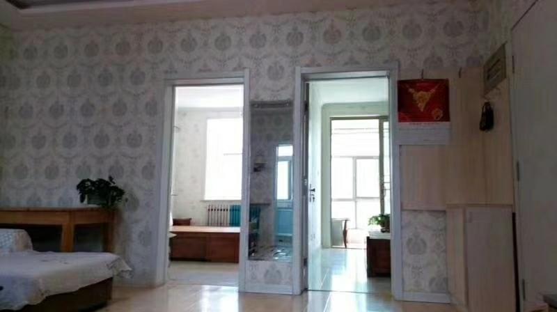 东阳城小区精装4楼2室1厅1向阳带储藏室55万