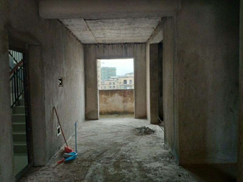 锦绣嘉园明德小学旁3房可改4房毛坯自主装修