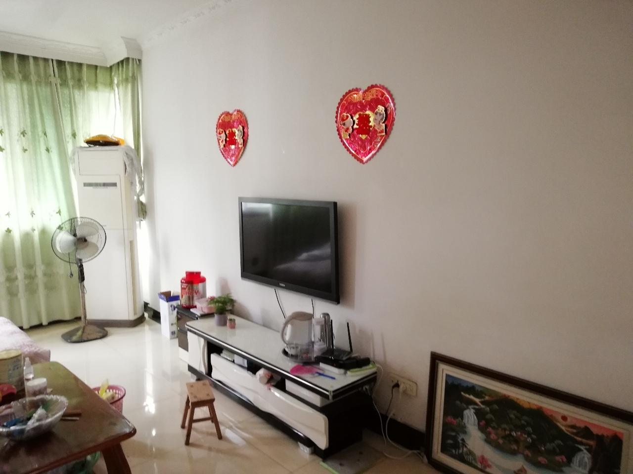 白鶴林精裝修,家具家電齊全3室2廳2衛32萬元