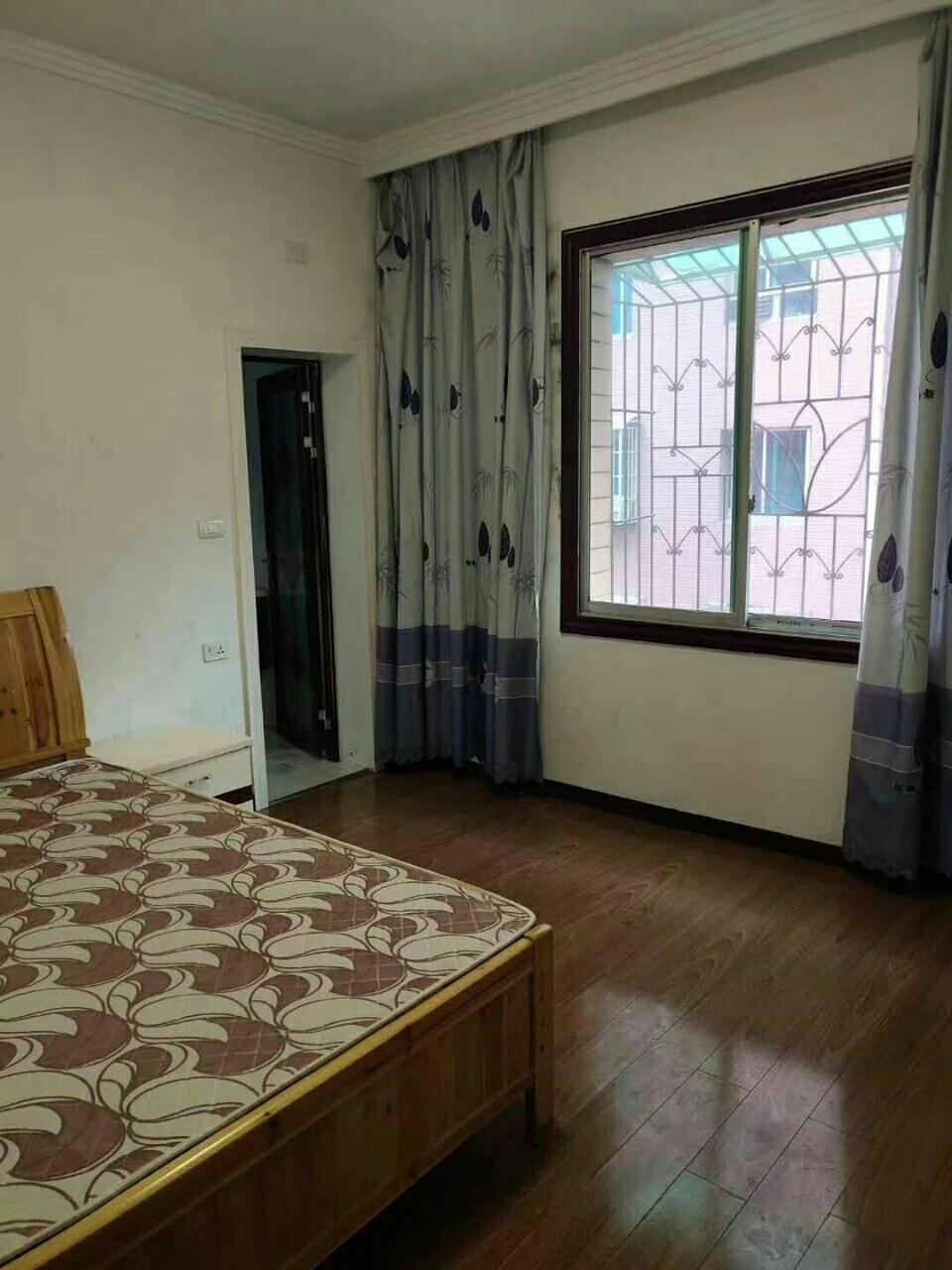 茶乡广场4室2厅2卫58.8万元