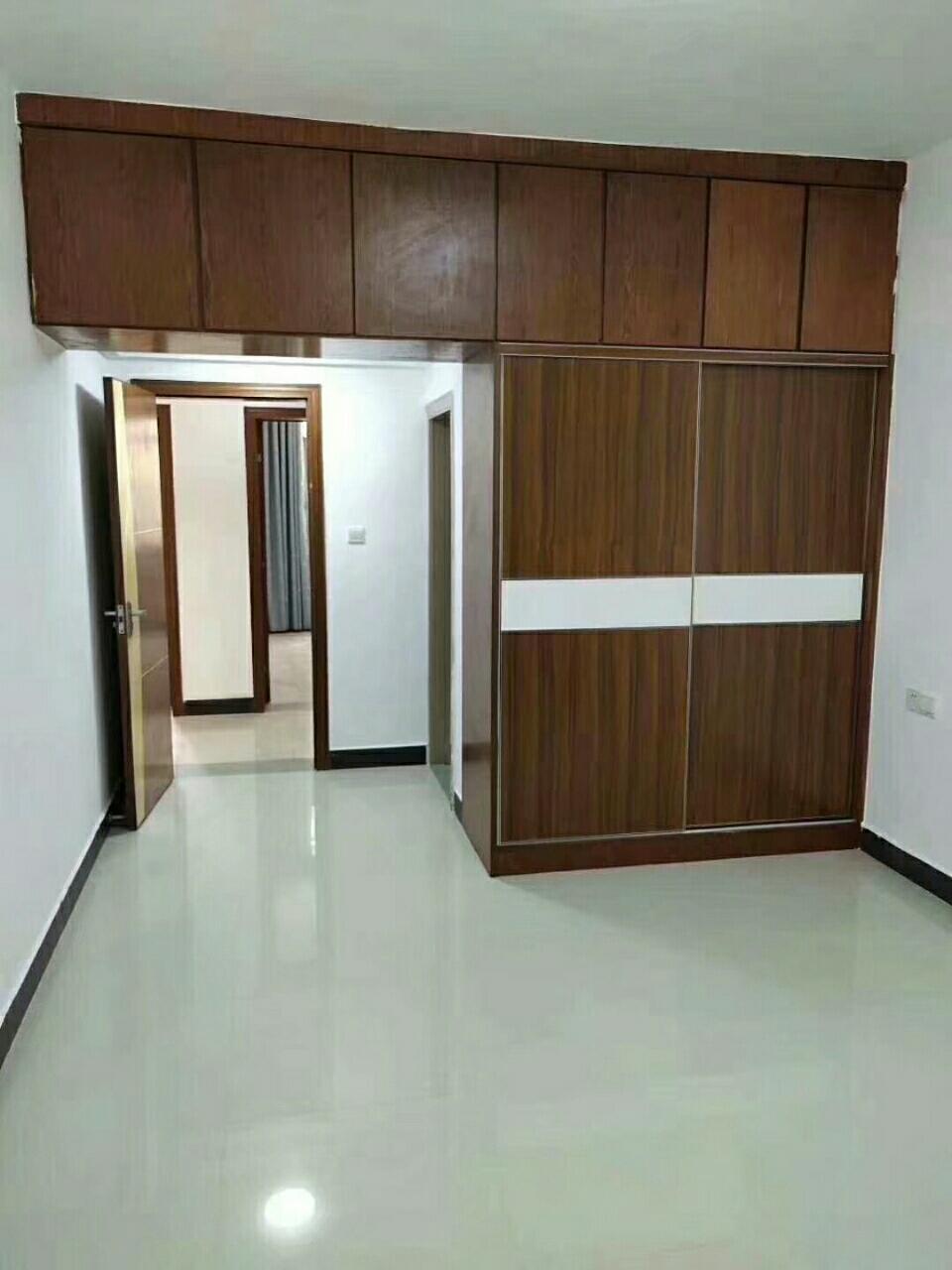福龙馨苑小区房3室2厅2卫89.8万元