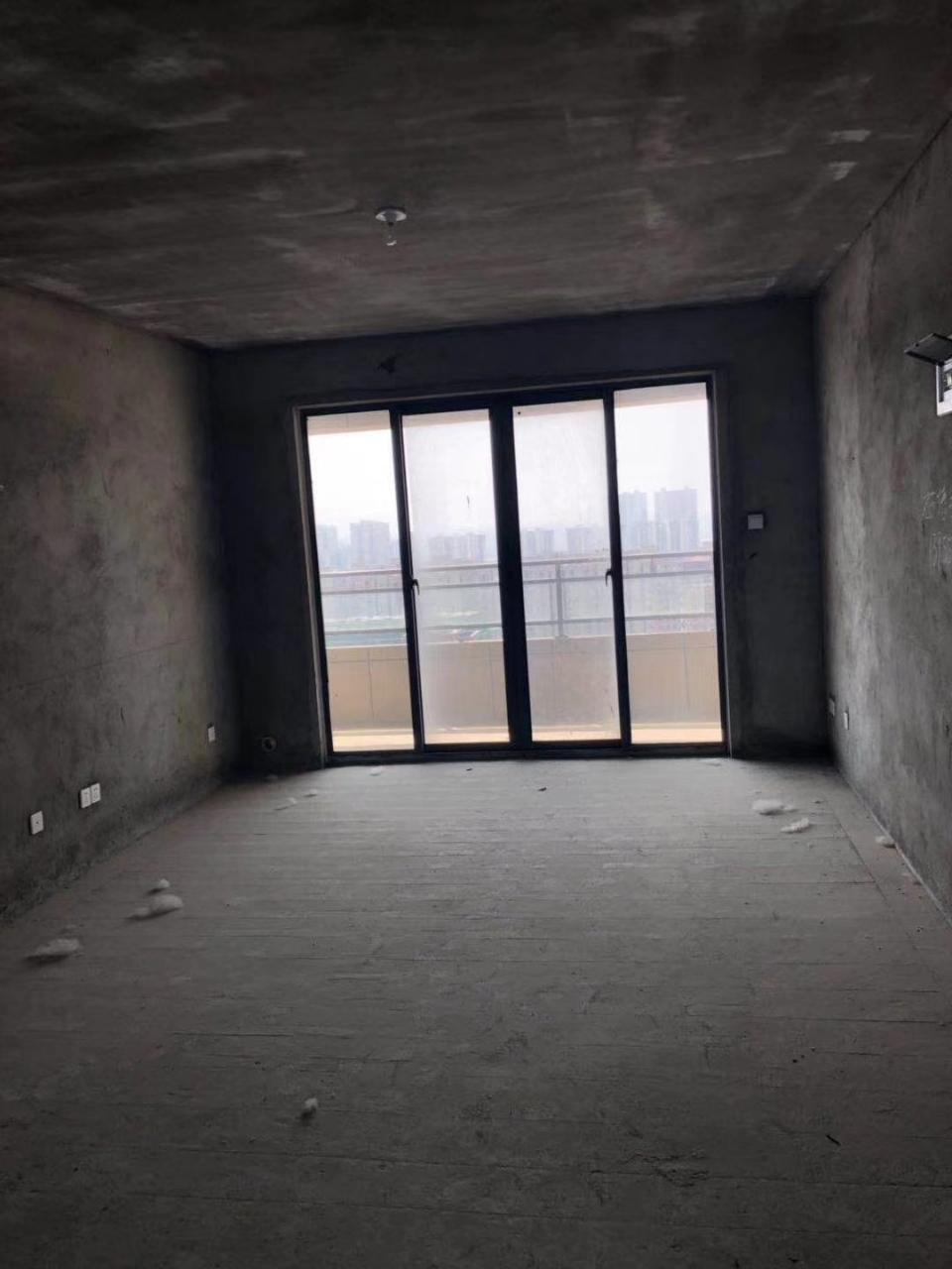 买房送车库!东边户!泉碧桂园3室2厅1卫76万元