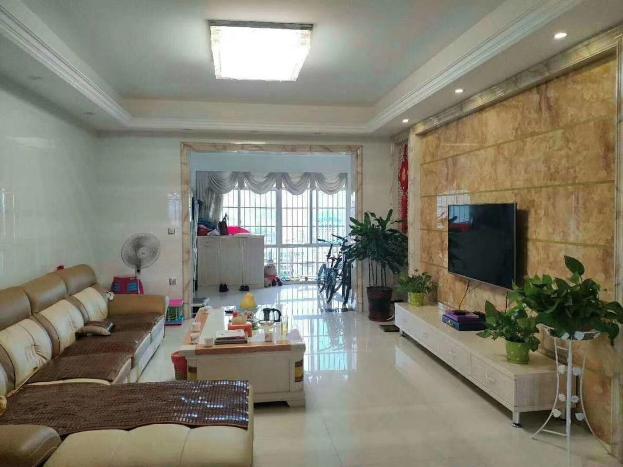 领秀江南3室2厅2卫99.8万元