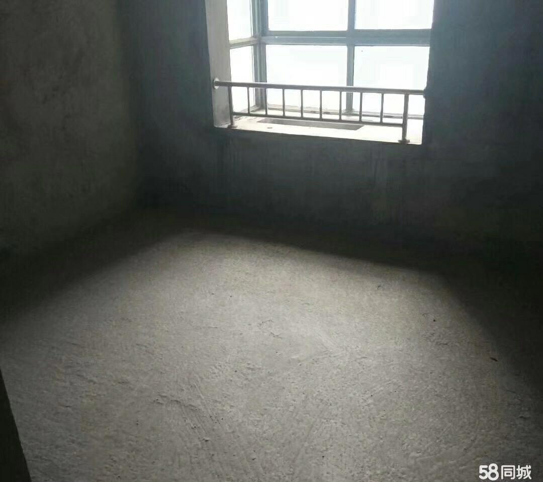 御景湾3室2厅2卫65万元可续按揭带花园