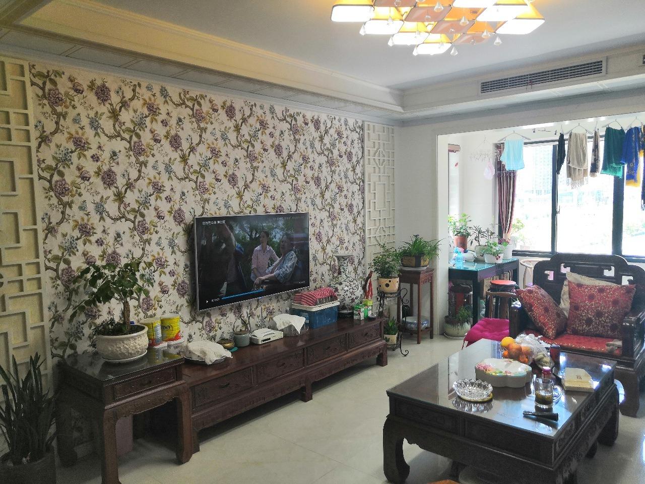 金鑫国际豪园中央空调带地暖,刚装修2年时间,诚售!