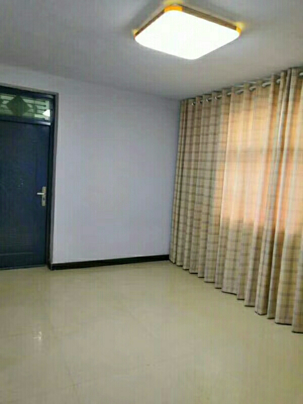 老六中家属院3室2厅1卫24万元