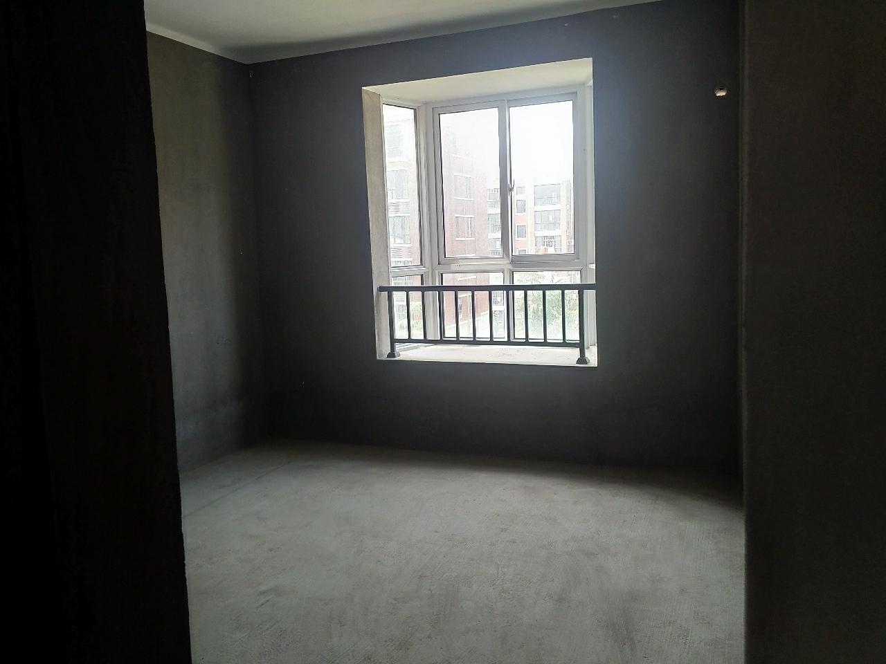 萬基大觀天下電梯五樓3室2廳1衛64萬元