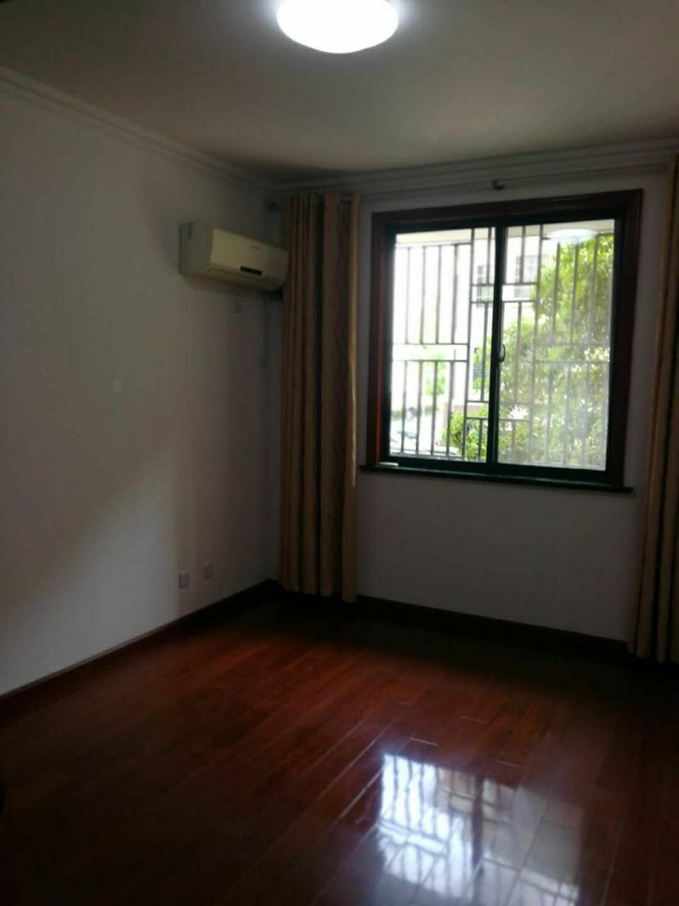 中坤苑124平米3室2厅2卫106万元随时看房