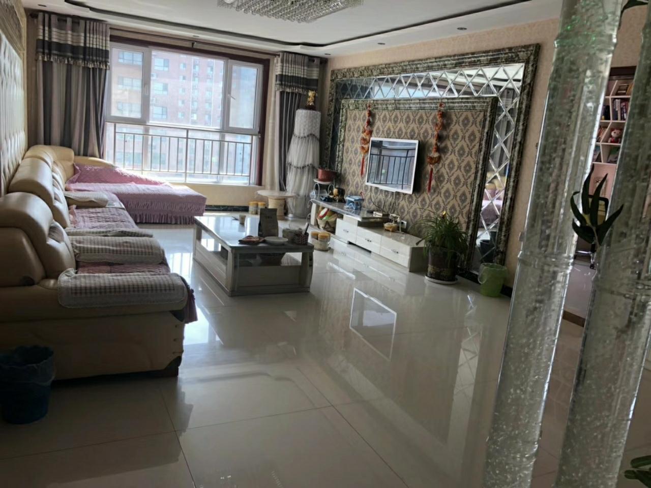 御花苑楼王3室2厅2卫115万元带车位小房