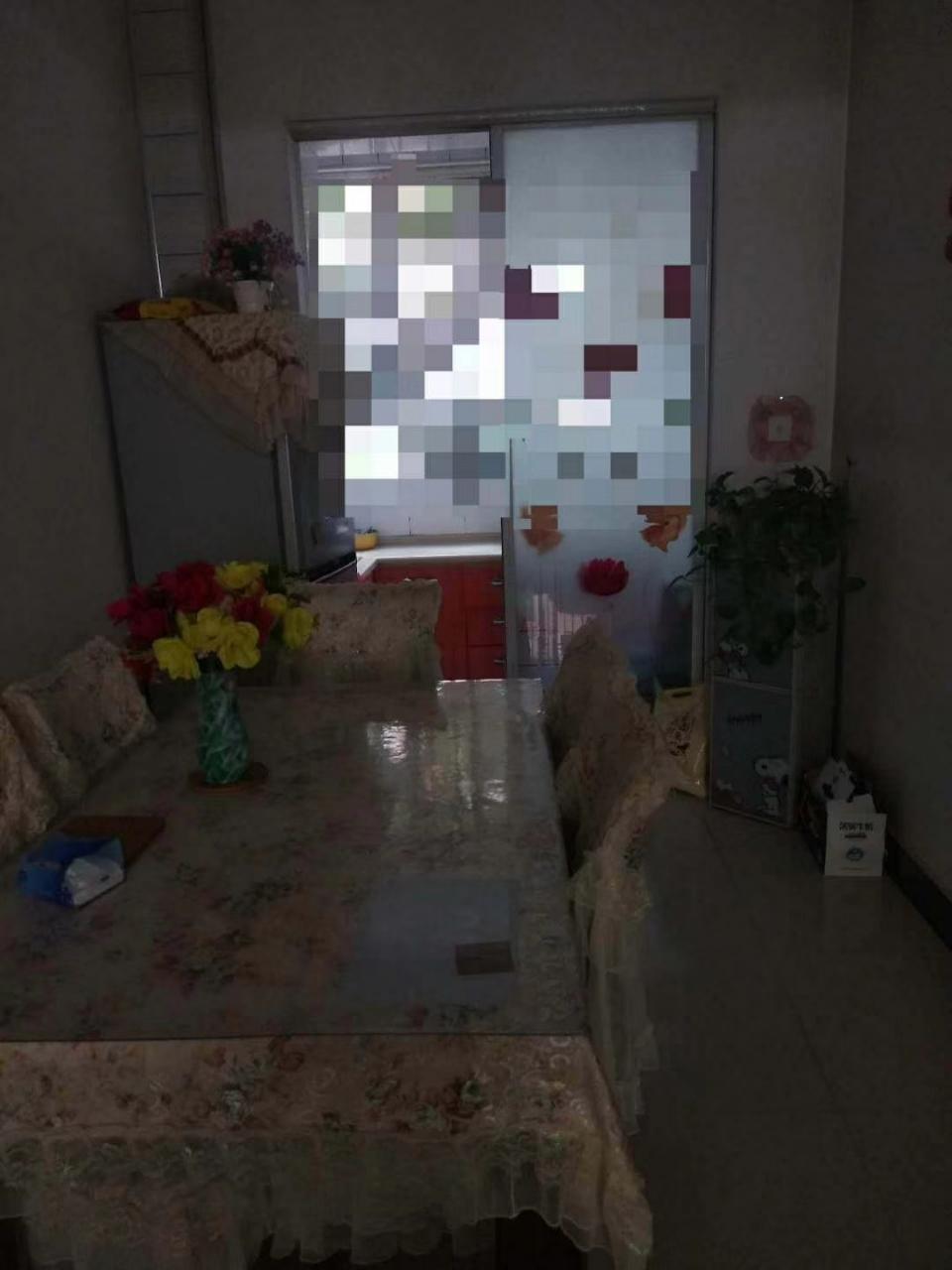 花苑小區2室2廳1衛40萬元