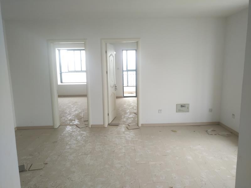 重点学区房!新百3室2厅1卫65万元