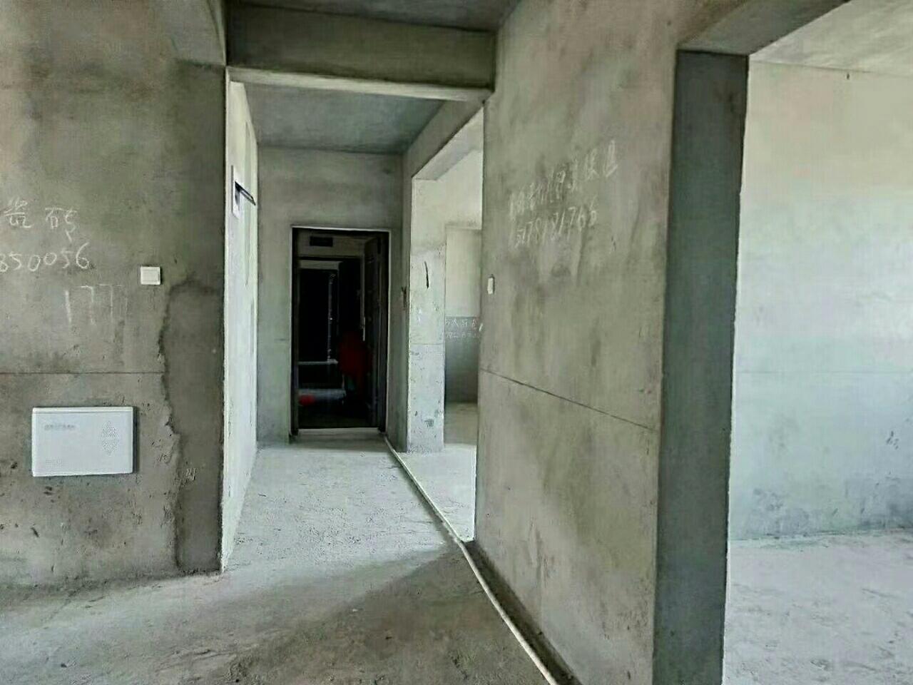 瑞景国际房东急售70万元证件齐全学区房