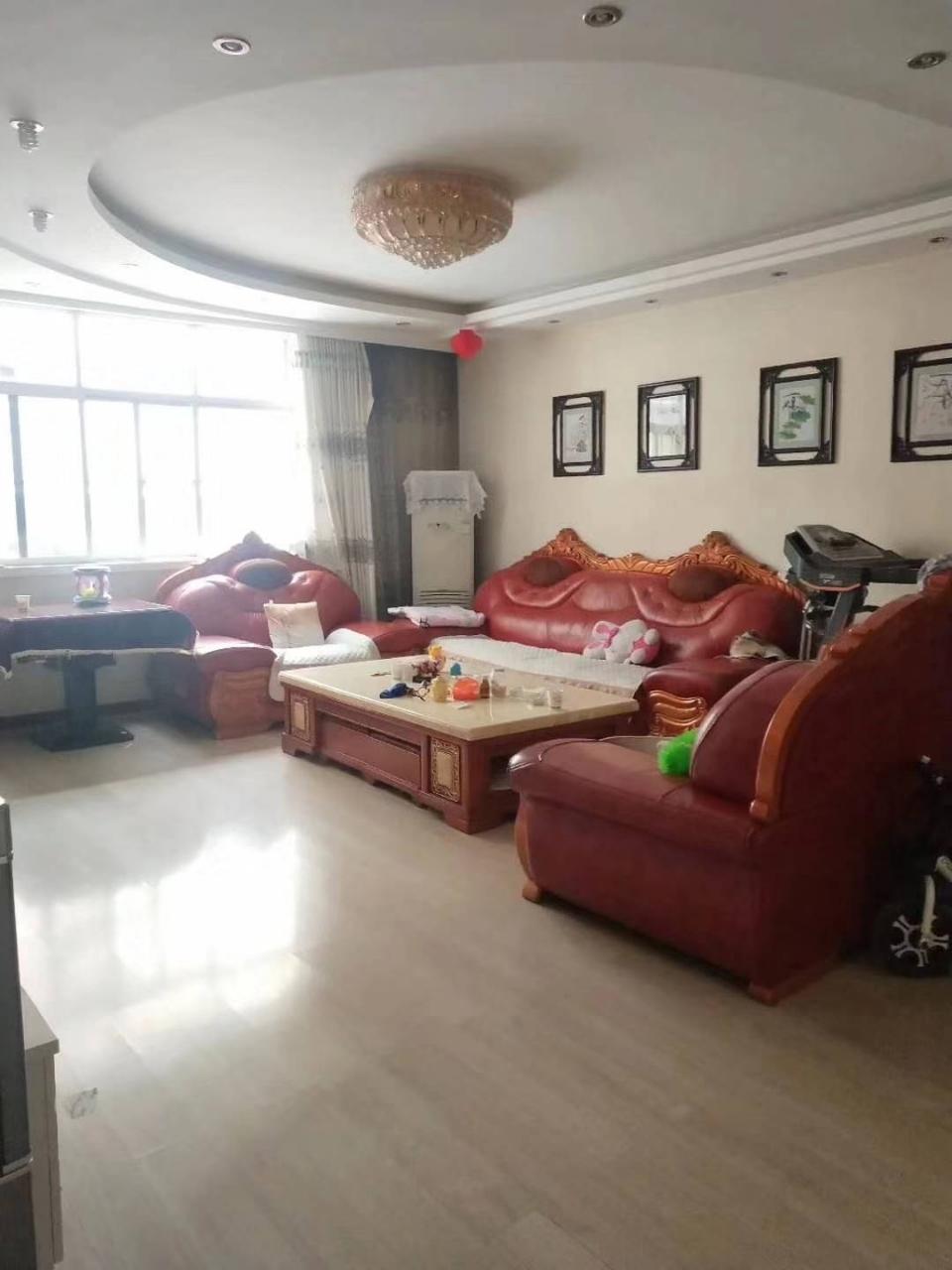 丰泰园3室2厅2卫56万元