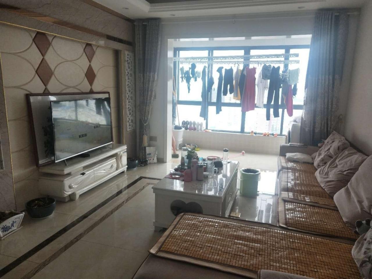 摩尔城急售3室2厅1卫精装仅需72.8万元