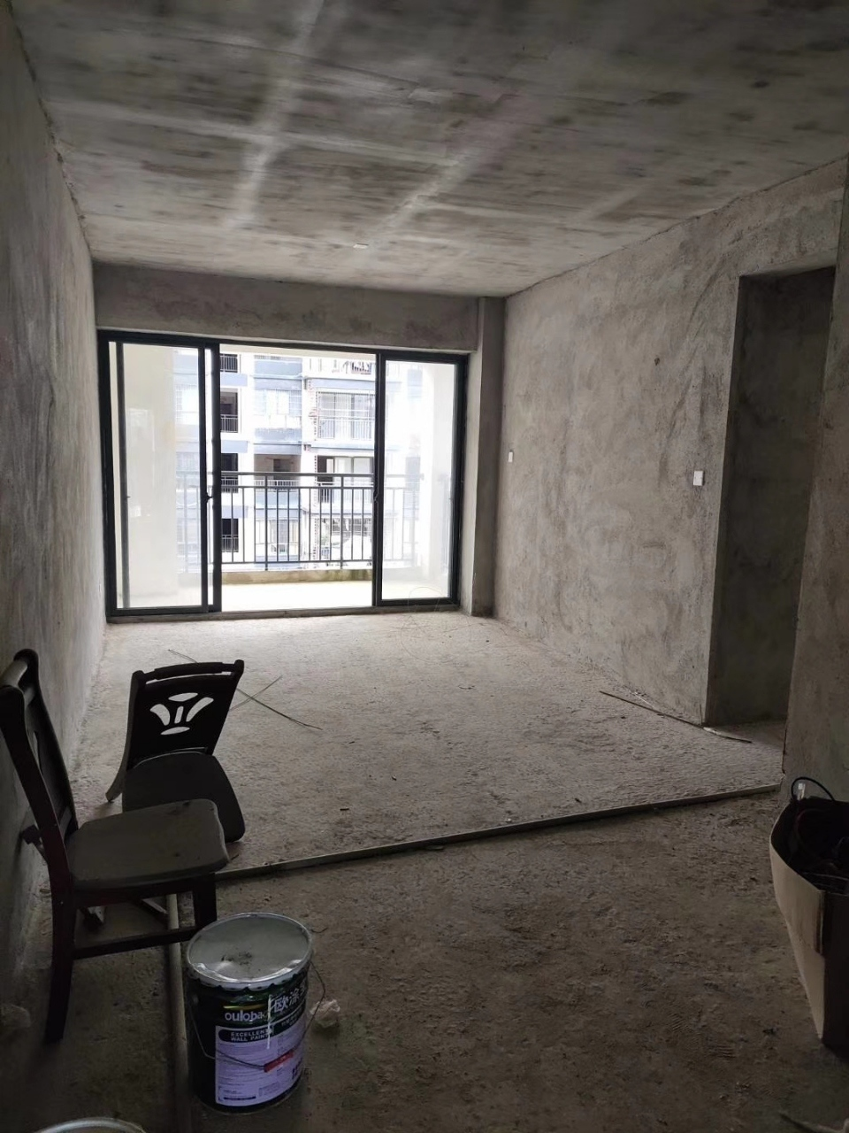 世客城风尚驿家3室2厅2卫39.6万元