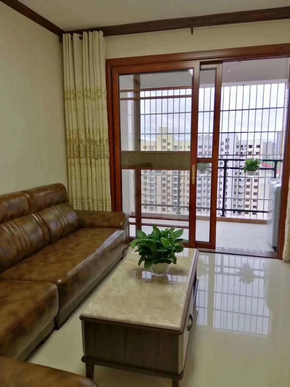 景江新城3室2厅2卫68.8万元