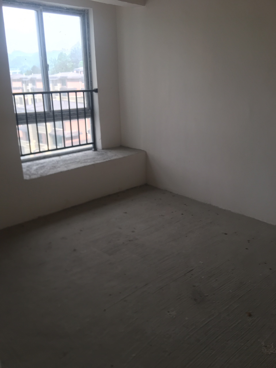 土家八千3室2廳1衛64.8萬元
