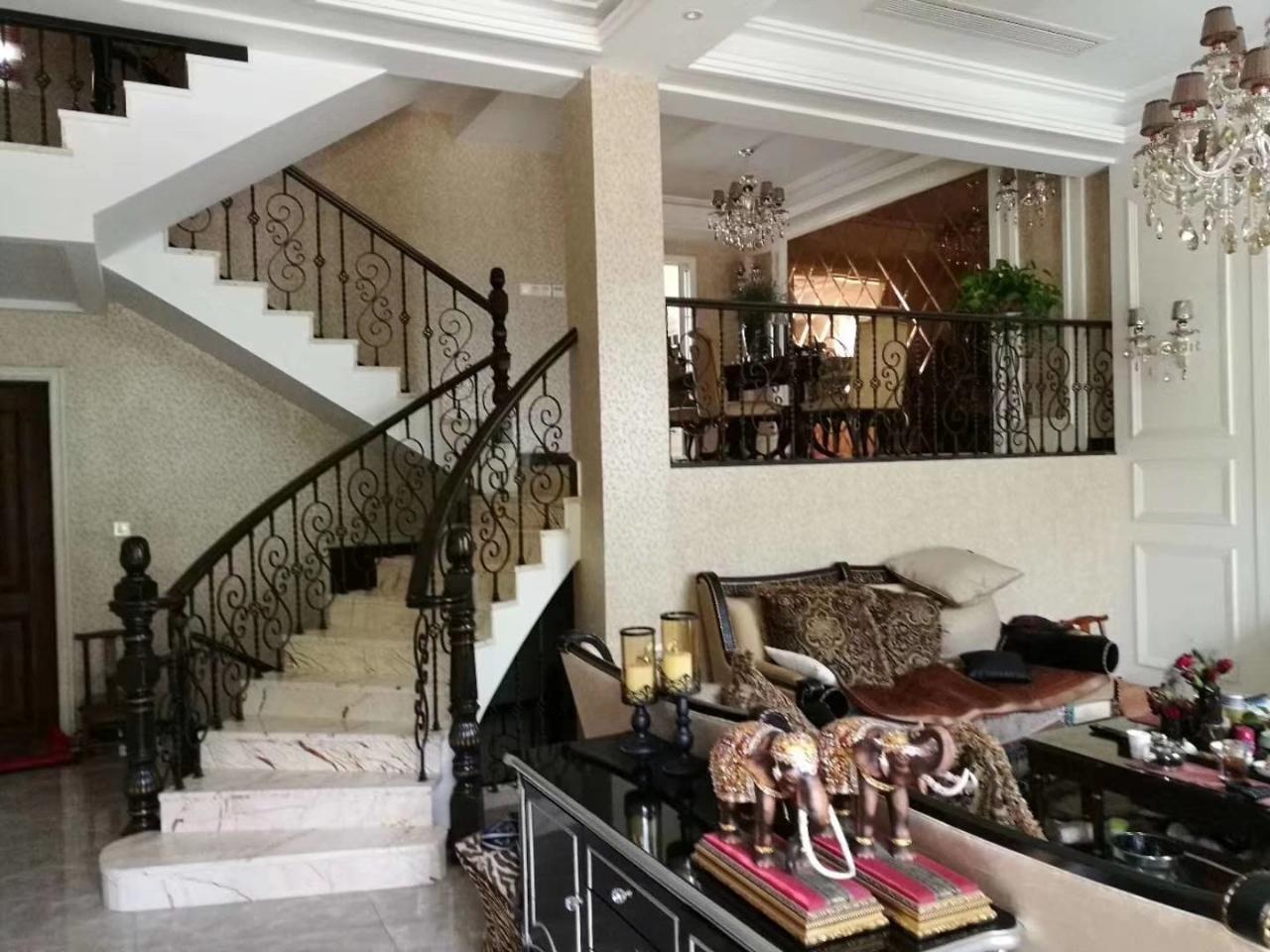 金色家园别墅。270方+103附房拎包入住490万