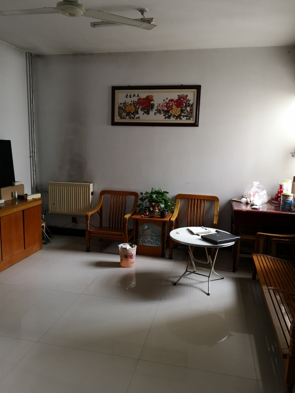 农商行家属院3室1厅1卫39万元