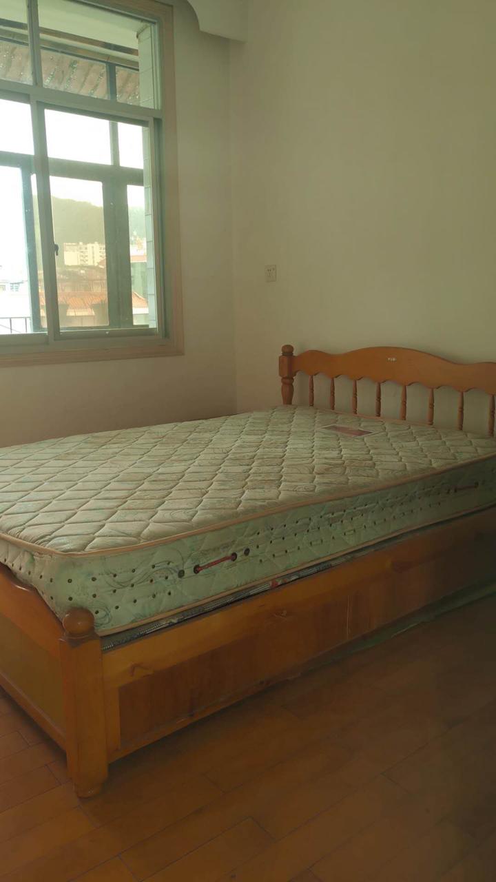 黔州宾馆附近3室2厅1卫41.8万元