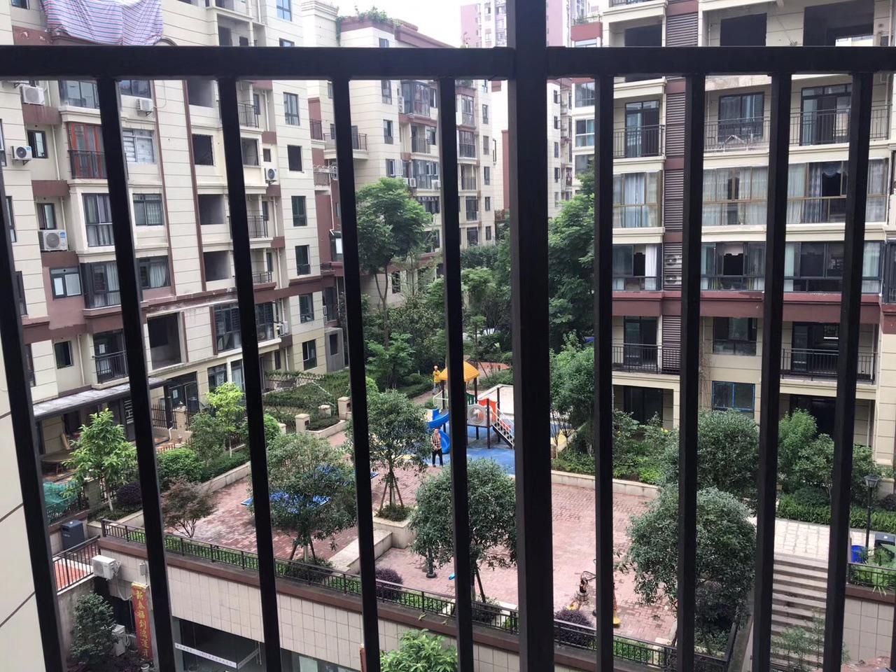 公园王府电梯入户3室2厅2卫72.8万元
