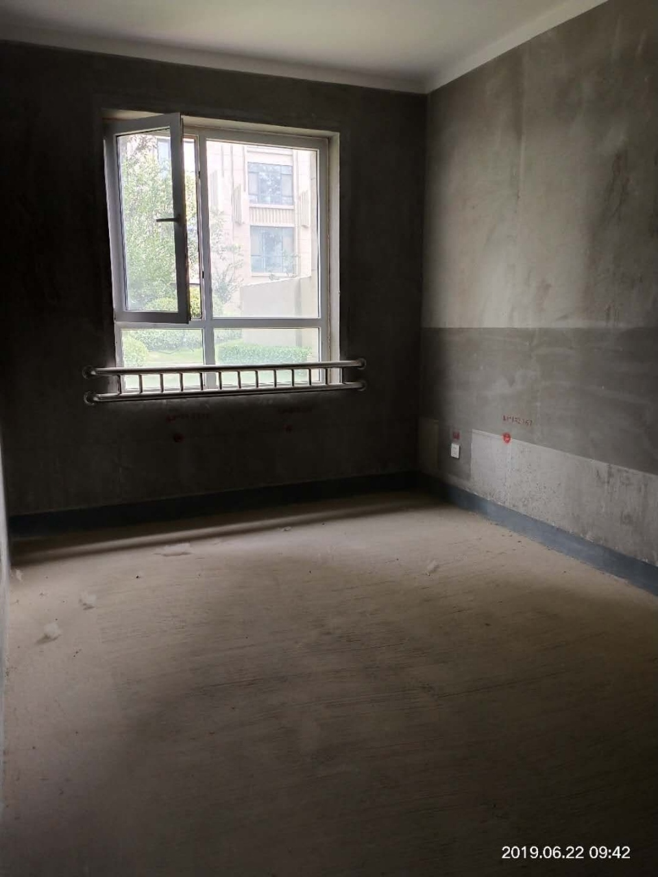 建业壹号城邦电梯洋房三室两厅两卫南北通透