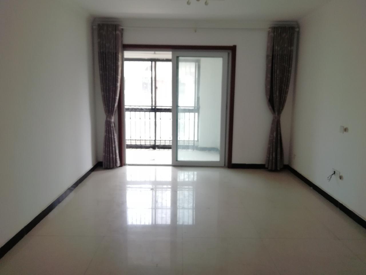 现代城大(二期)93平简装2室2厅1卫47万元