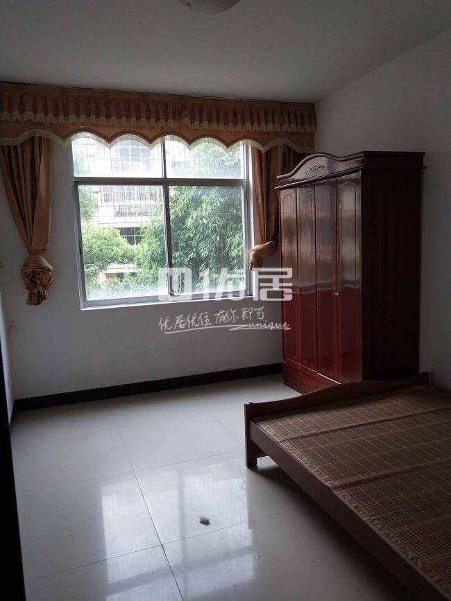 中山苑A区4室2厅2卫64.8万元
