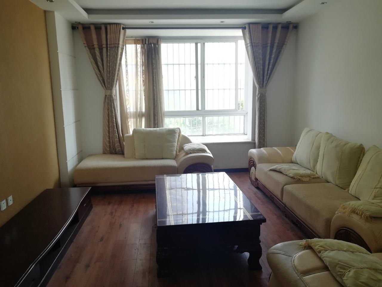 兰亭山水132平精装3室2厅2卫68万元