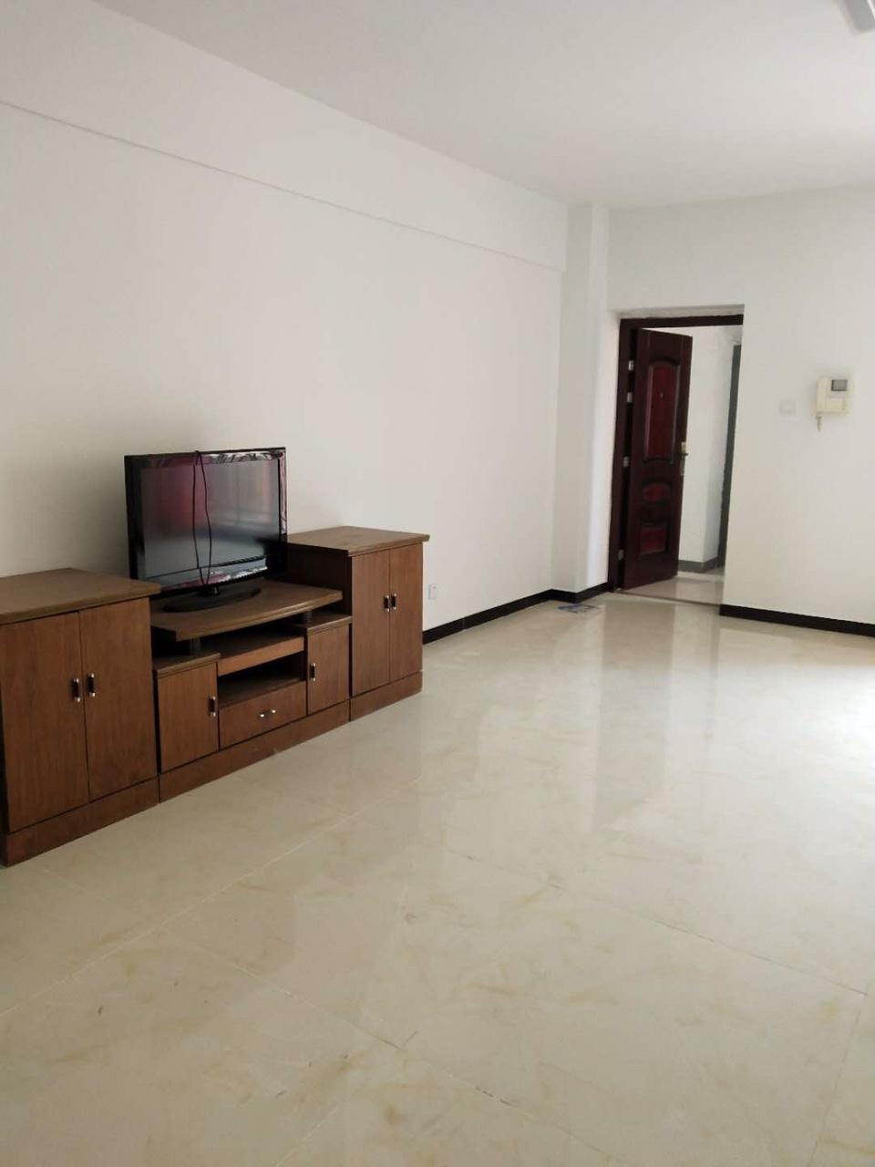 东方秀轩3居室简装修,好楼层,6000一平可分期