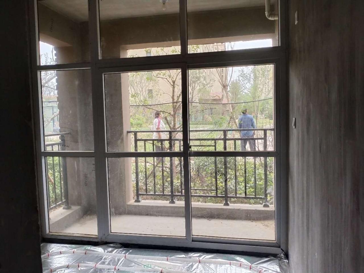 新區西班牙小鎮的3室2廳2衛53萬元