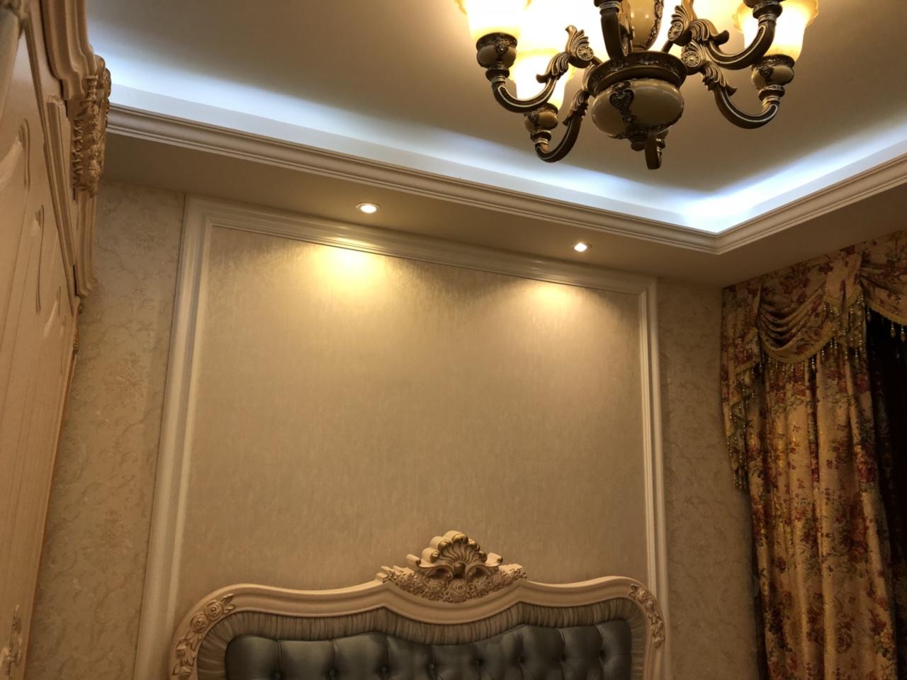 出售金辉盛世风情138平豪装住房