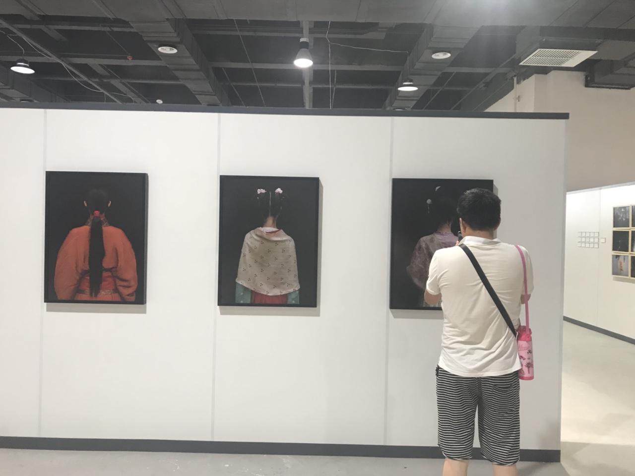"""""""丝绸之路.影像天水""""摄影双年展深受游客赞叹"""