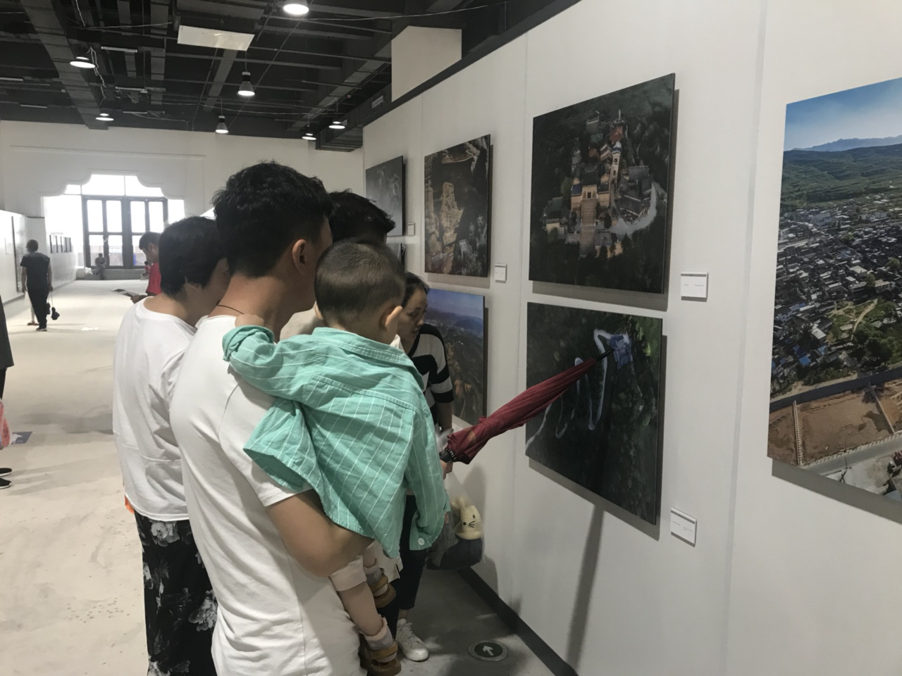 """""""�z�I之路.影像天水""""�z影�p年展深受游客��@"""