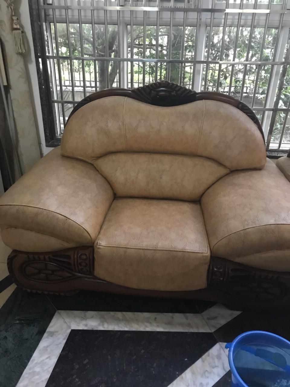 家用9成新沙发 便宜出售 有意联系18379829788 陈