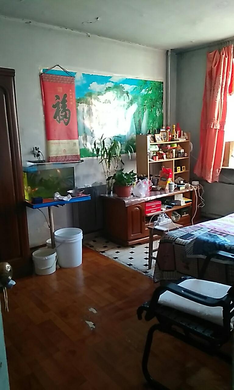 炮台小区3室 0厅 1卫