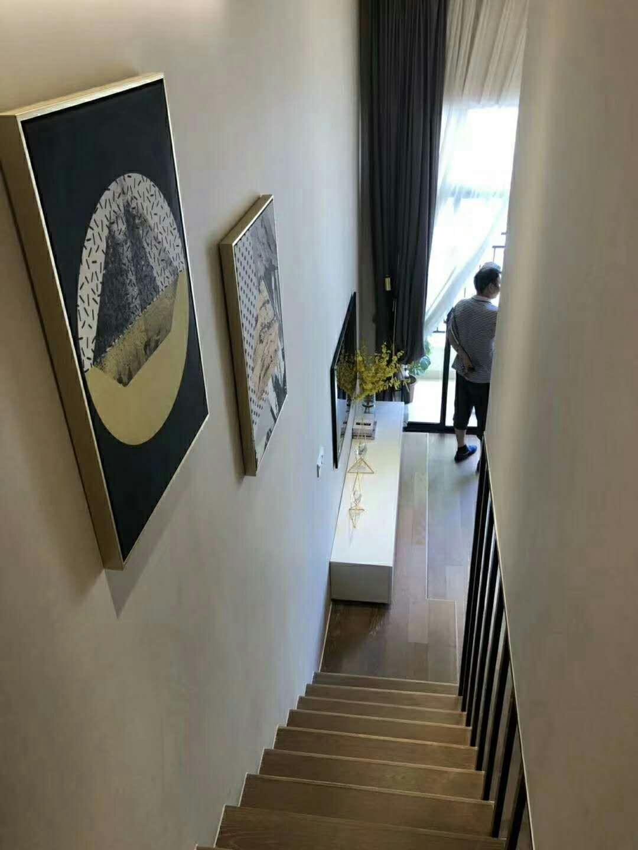 中山广场1室 1厅 2卫25万元