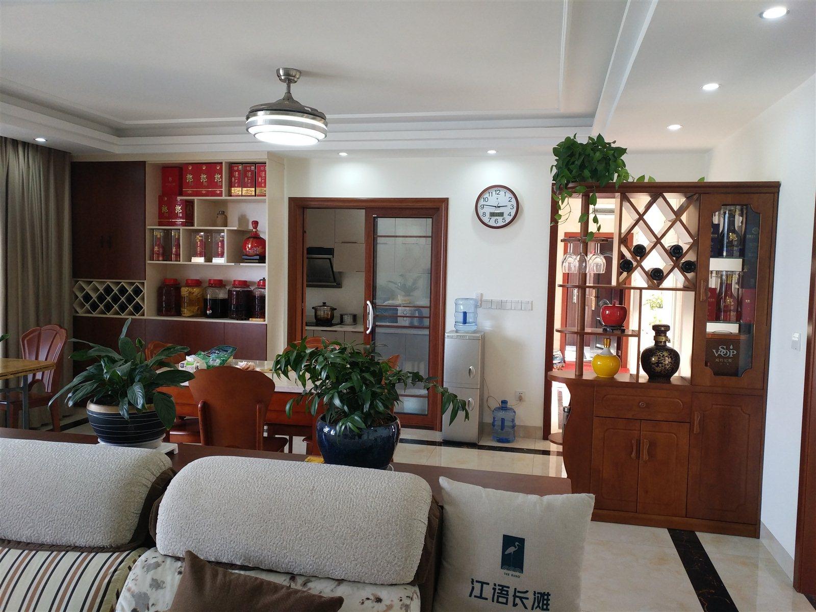 江语长滩美岸9栋4室2厅2卫145万元