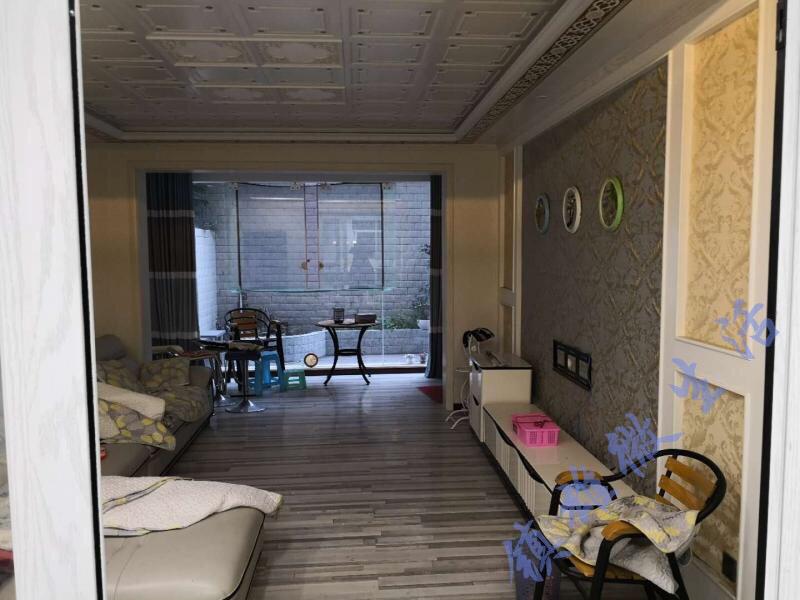欣景苑3室 2廳 2衛精裝85萬元