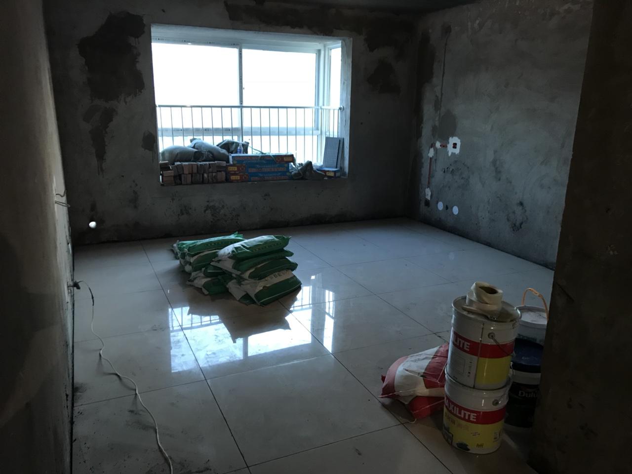 香江广场3室 2厅 1卫56万元