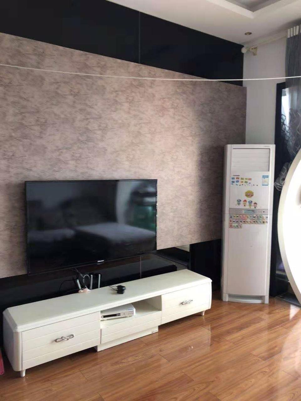 朝霞苑3室 2厅 1卫42.8万元