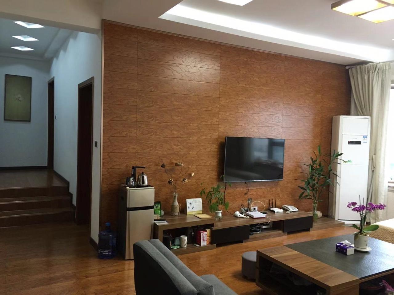 兴阳花苑3室 2厅 2卫42.8万元